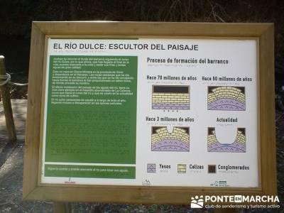 Paneles informativos del Río Dulce; excursiones de un día desde madrid
